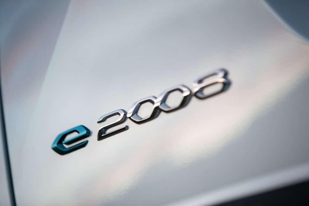 Peugeot e-2008 private lease 10